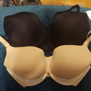 Pair of full coverage 34DDD Soma bras